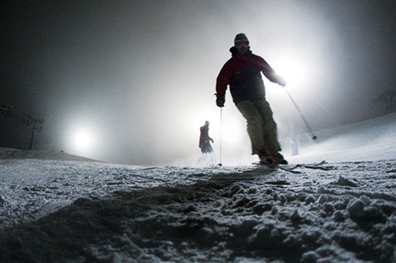nighttime skiing in thredbo